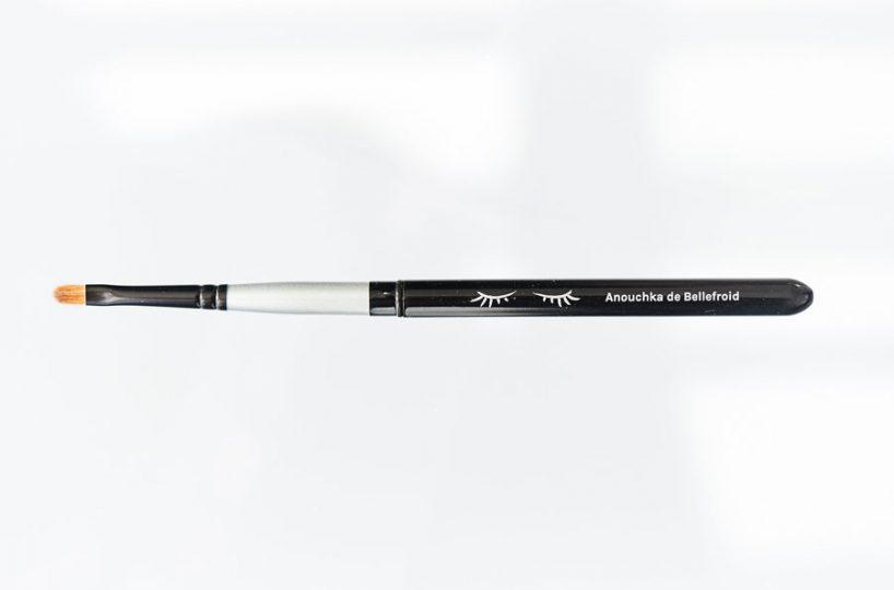 Le pinceau rétractable bouche Anouchka de Bellefroid