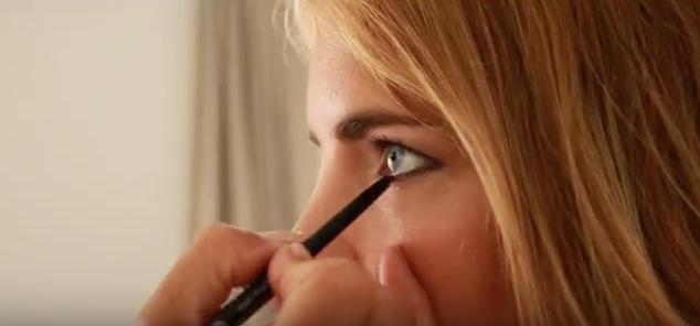 Maquillage des yeux par Anouchka de Bellefroid